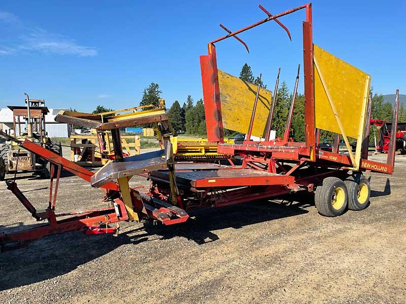 1032 New Holland Bale Wagon